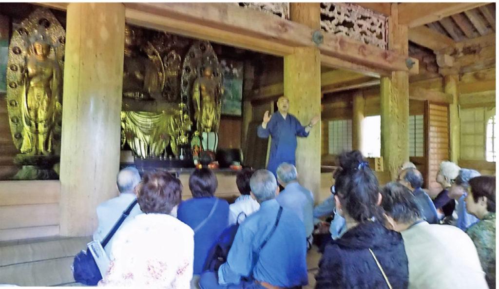 心のふるさと大阪鳥取県人会の郷土訪問日帰りバスツアーで訪れた大山寺での様子