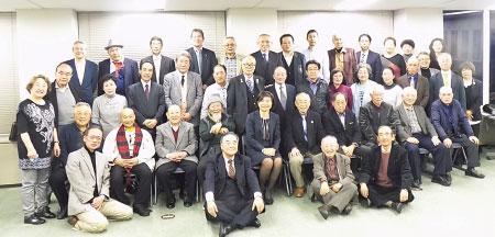 心のふるさと大阪鳥取県人会新年互礼会の集合写真