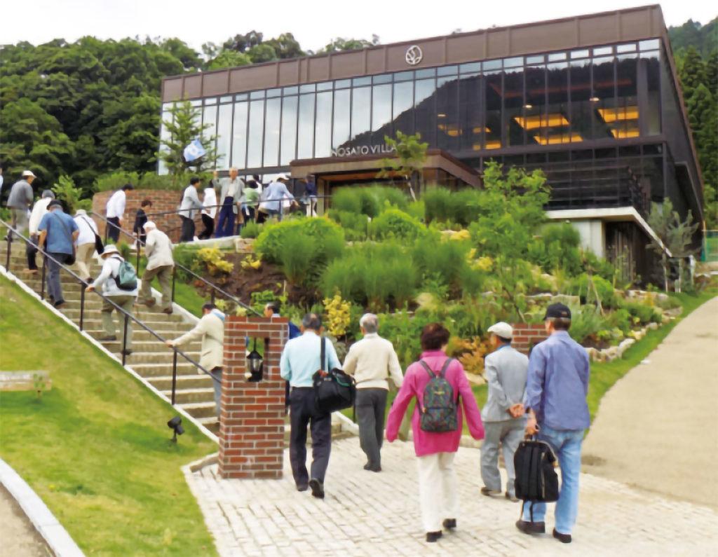 心のふるさと大阪鳥取県人会の郷土訪問日帰りバスツアーの様子